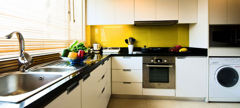 urbana-langsuan-3br-kitchen1