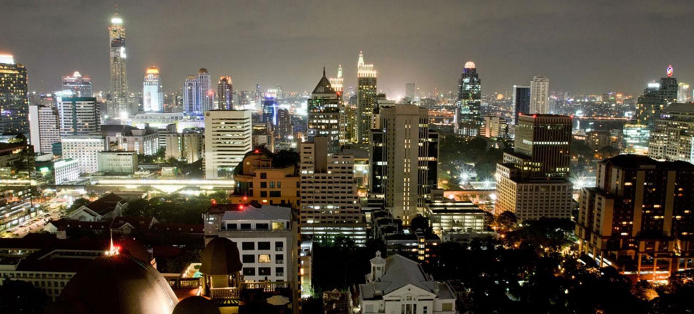 urbana-langsuan-bangkok-luxury-condo-ext-2