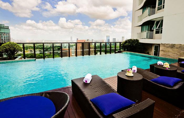 urbana-langsuan-swimming-pool1
